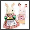 お人形から小物、おうちまで、新品から昔遊んでいた年代物まで買取致します。